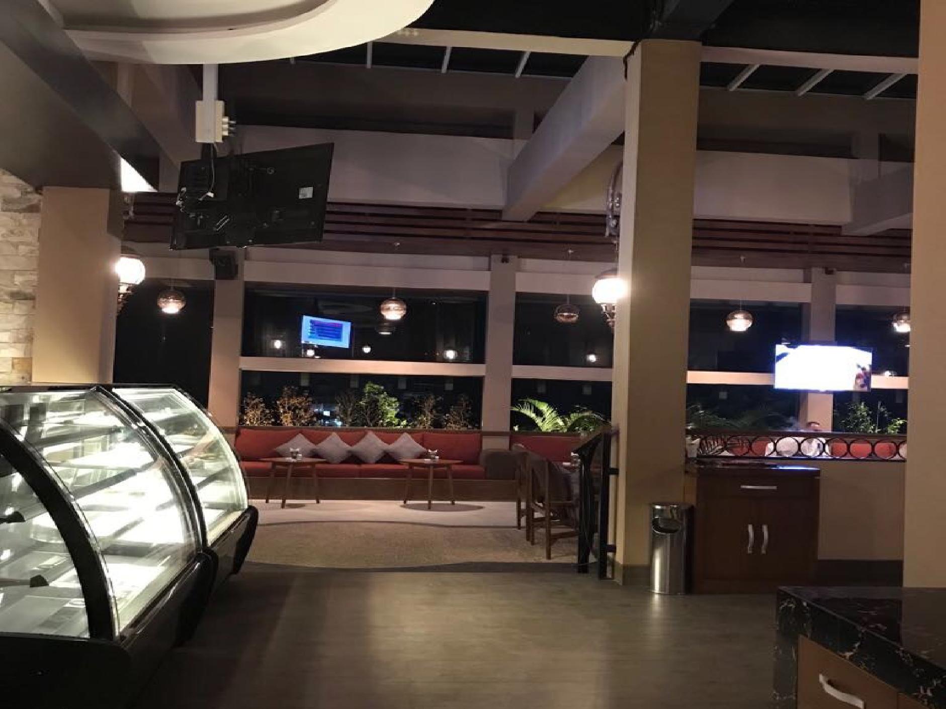 Jasa Interior Restoran Zoom Le Gourmet